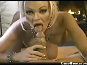 Gorgeous blonde MILF gives amazing blowjob!