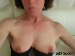 Hot mature wife gives blowjob a ... free