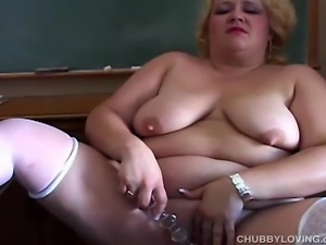 Gorgeous fatty with lovely big tits plays with her fat juicy pussy for you
