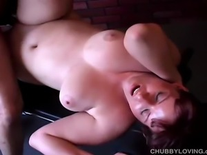 Pretty plump amateur with lovely big tits tits gets her wet pussy licked and...