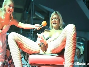 Hot stripper opens her legs wide and puts a giant dildo in her juicy pussy
