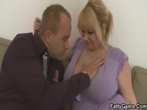 He picks up fat blonde and bangs her hard free