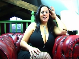 Mellie D is a well known UK busty model who also loves to smoke. Watch her...