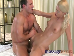 Massage Rooms Skinny blonde has tight pussy filled in steamy oily encounter