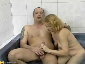 mature woman wants to please cock