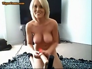 Huge Boobs Blonde Fucking Machine Show free
