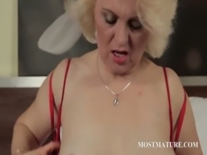 Mature blondie finger fucks lusty twat free