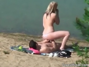 Extreme sexy horny blonde babe takes free