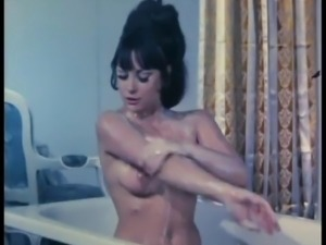 Vintage tits bathing