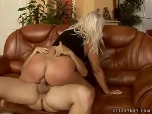 Naughty fat grandma gets fucked
