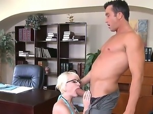 Short haired blonde in sexy glasses Nora Skyy wants to write a course work...