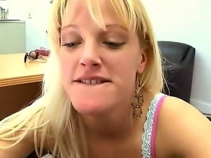 Tall slut Carolina Belle desperately sucking my dick like it is the last...