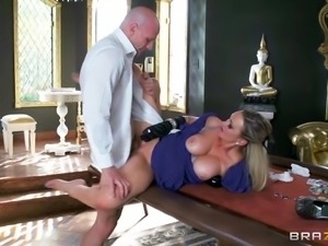 smoking hot mom fucked by a big cock