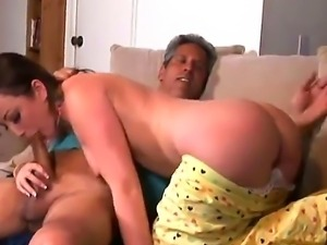 Kinky Jennifer White seduces her mothers new lover and sucks furiously his...