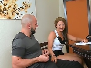 Very sweet redhead minx arrived to the interview and made a blowjob to one...