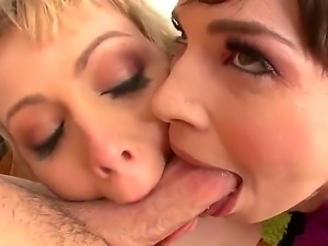 Adrianna Nicole and Dana DeArmond are sharing a huge cock in amazing threesome