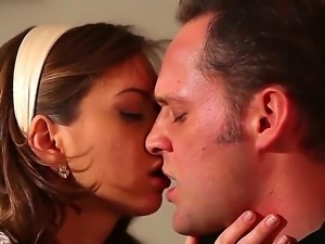 Sensual Riley Reid seduces hunk Alec Knight and makes him enjoy her wonderful...