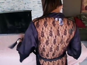 Buxom Linda Lay gets massaged her tight throat by professional masseurs dick