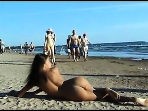 Hot teen nudists make this nudist beach even hotter