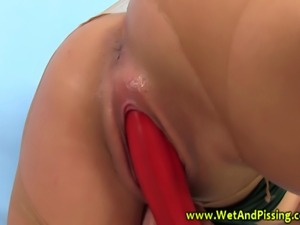 Kinky pissing fetish beautie solo plays and gets soaked in piss