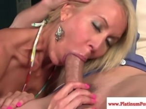 Erica Lauren gets mouthful of cum after fucking his cock
