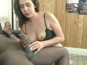 Latina hottie Bridgette Michaels goes down on her knees to swallow a stiff...