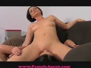 FemaleAgent Gorgeous and naive