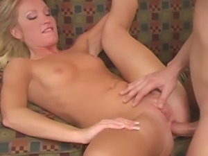 Hot couple demonstrates anal sex on the sofa