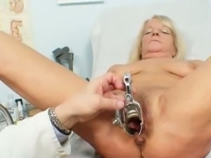 Granny dorota gets her hairy pussy gyno checked.
