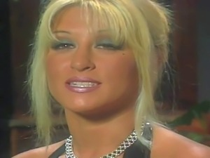 Smoking hot famous porn queen Jill Kelly with awesome body and great oral...
