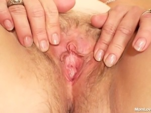 saggy old blonde moms fucks like crazy