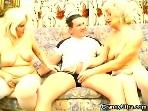 Hot Elderly Women Playing With a Dildo