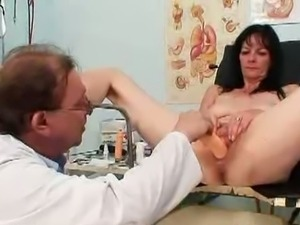 Kinky Old doctor checks mature Venus big pussy