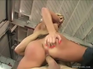 Kiara Diane fucks for facial