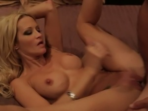 Jessica Drake knows how to fuck