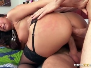 Kaylynn is a horny as hell juicy milf with sexy thick ass and nice boobs. Hot...