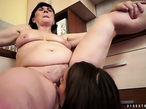 Teen Kerry gives Margo T.s snatch a try in lesbian action