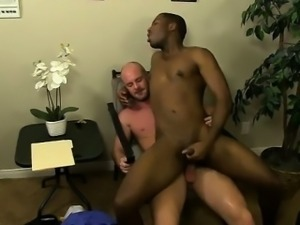Hardcore gay JP gets down to service Mitch\'s firm knob befor