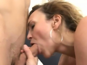 Sexy Mom loves to rides on big cock from young boy
