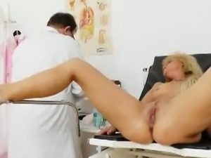 Mature Patricie Gyno Old Pussy Exam Video