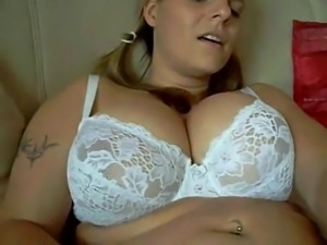 Horny Fat Chubby Teen GF love playing with her pumped pussy