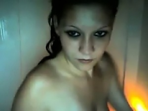 Teen Masturbating In The Bath Tub
