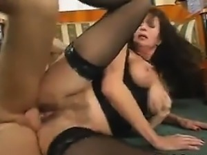 Mature Woman With Saggy Tits