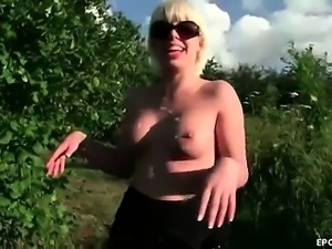 Blonde milf blowjob lips outboor in the sun