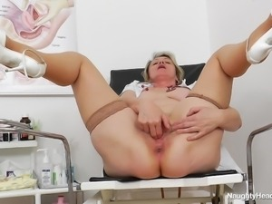 ester masturbates during lunch break