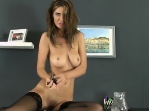 Hairy pissdrinking babe with perfect tits
