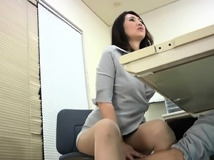 Delicious Asian cutie gets her mouth stuffed with a bulging