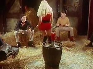 SUSIE Q - vintage blonde stripteases in barn 70s seventies