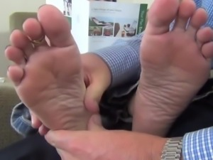 BARE FOOT & Mature Cum Soles