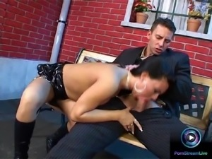 Exotic beauty Valentina getting her cherry popped big time